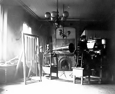 The 'Gramophone Company' London recording studio, 1898